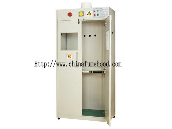 Metal Handle Laboratory Storage Cabinets Three Linkage Lock 1mm Cold Rolled Material